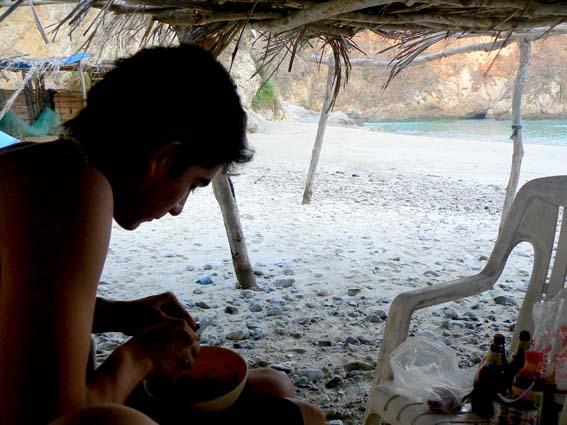 cocinando en playa del tunel